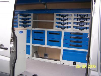 meubles sp cifiques syncro system am nagements de camionnette v hicules utilitaires. Black Bedroom Furniture Sets. Home Design Ideas